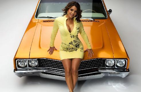 Женщина и машина – это стильно и модно