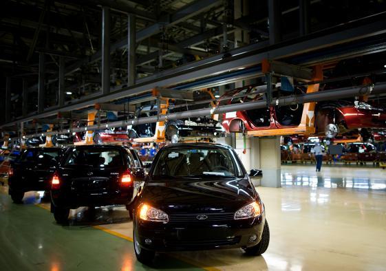 По итогам октября продажи АвтоВАЗа в России выросли впервые за 19 месяцев