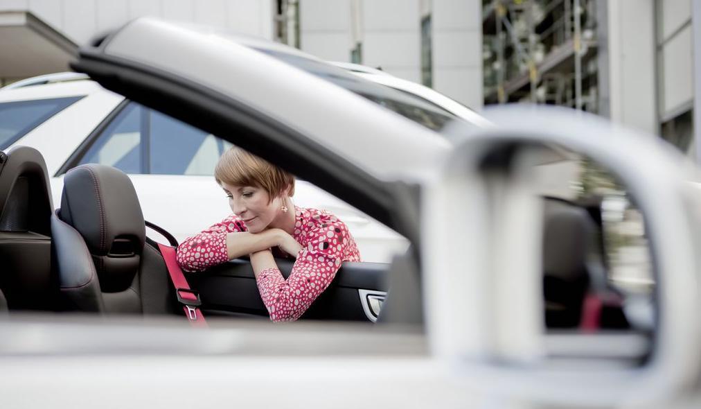 Дизайнер интерьеров Mercedes-Benz - Никола Эренберг, женщина звезда
