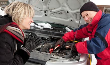 Как правильно заводить машину зимой