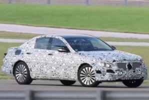 Впервые попал на фото новый Mercedes E-Class в собственном кузове