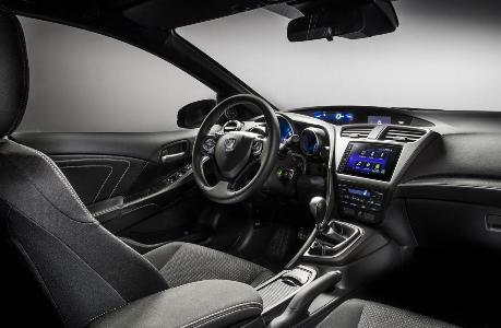 Компания Honda показала обновленный Civic и Civic Sport
